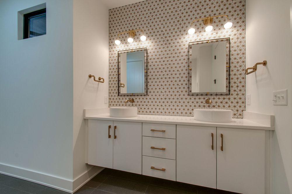 bathroom accessories Lomita