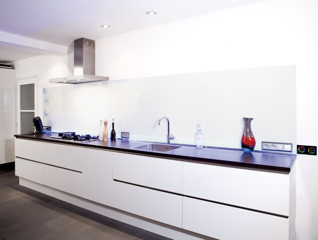 Keuken achterwand van glas