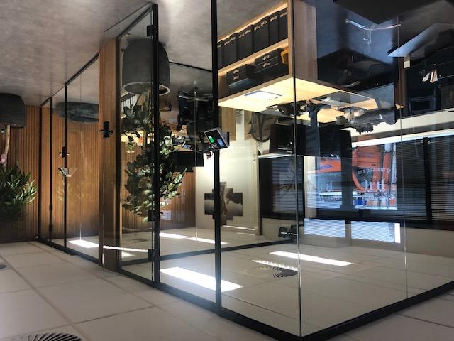Glazen scheidingswand kantoor