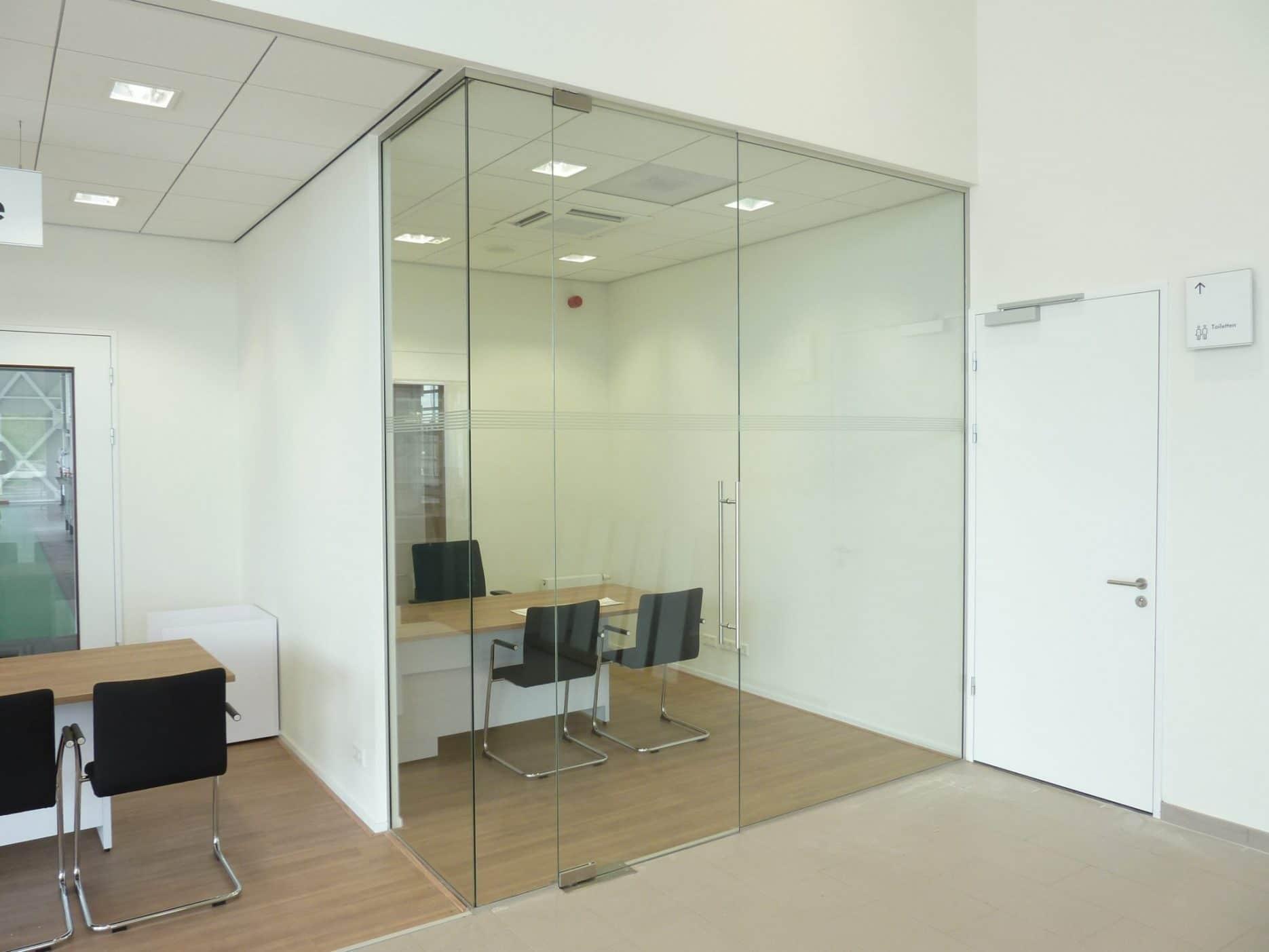 Glazen kantoren op maat gemaakt