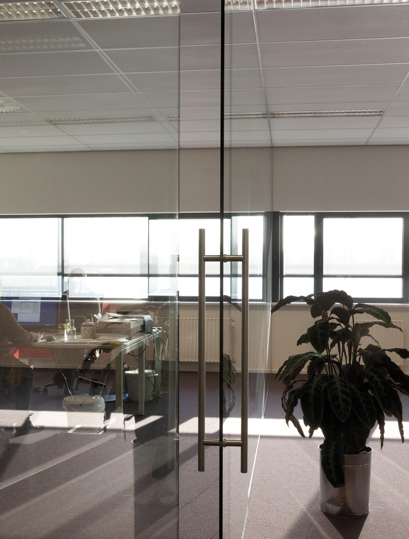 Glazen deur kantoor Hilversum