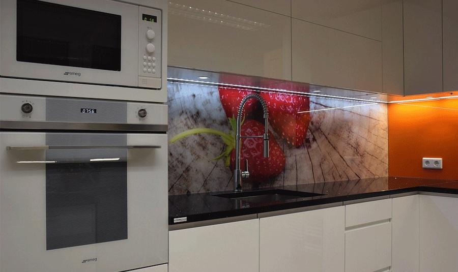 Glazen keukenachterwand print met aardbeien