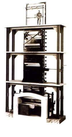 Het Fourcault systeem, ook wel 'getrokken glas' genoemd