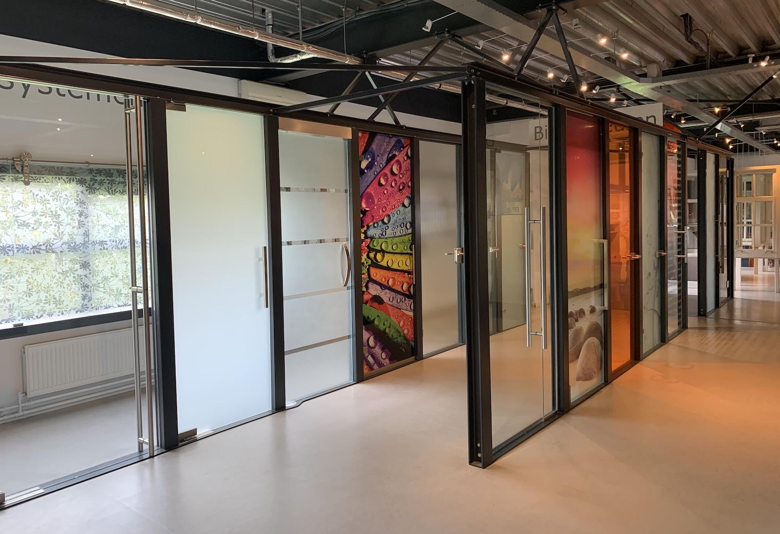 AA Glas showroom glazen deuren