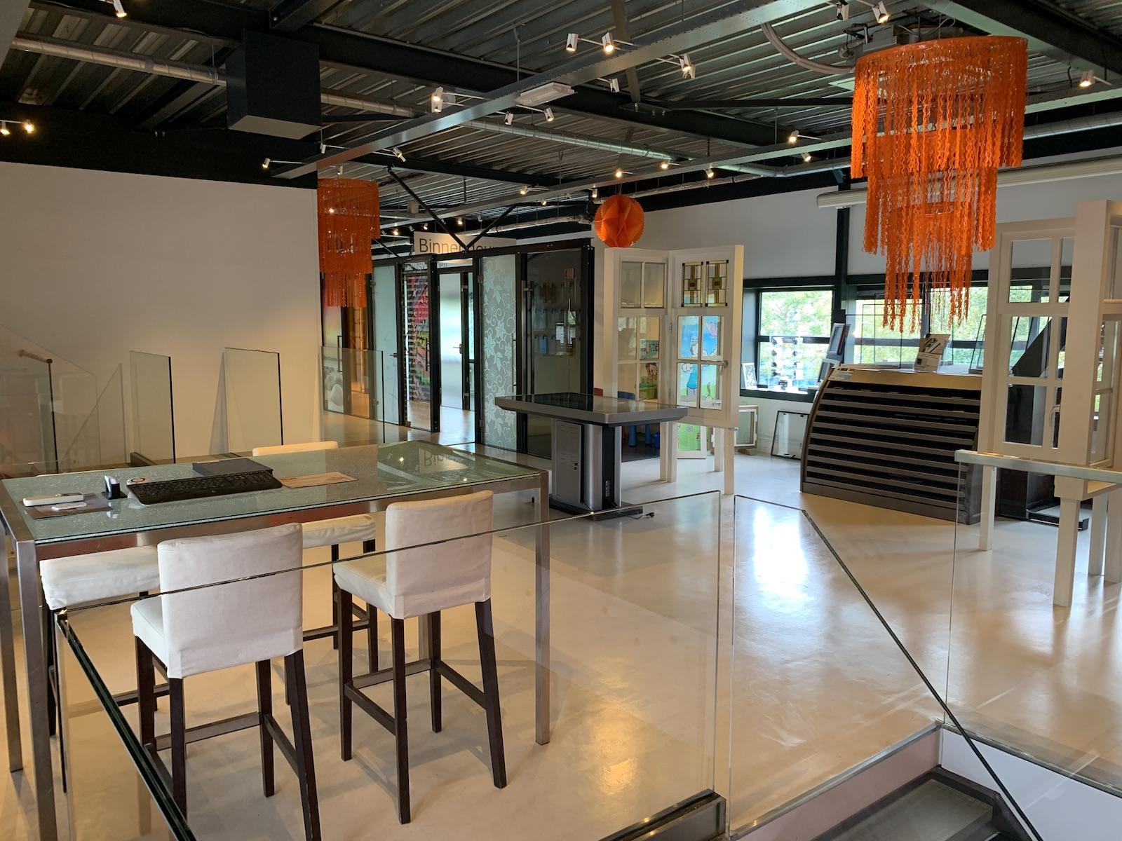 AA Glas showroom overzicht