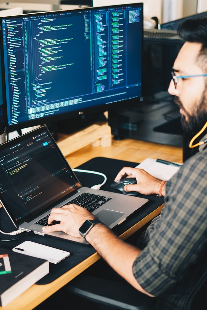 In the last years we have encountered some features that are most important for developers and should be integrated in any low code platform you want to use.