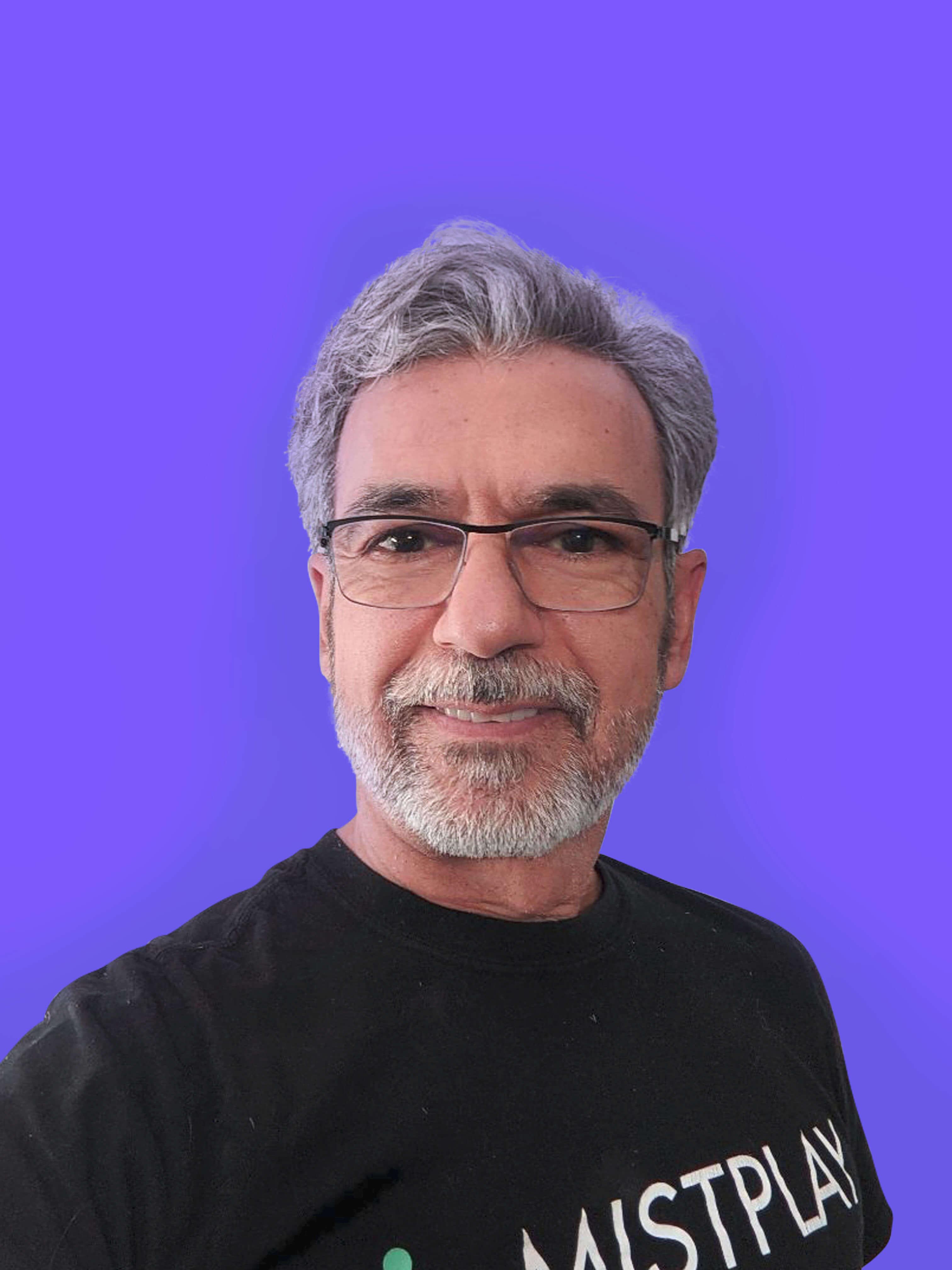Photo du co-fondateur de Mistplay, Charles Machanlani