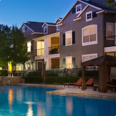 Pool and lounge area at Steadfast multifamily complex