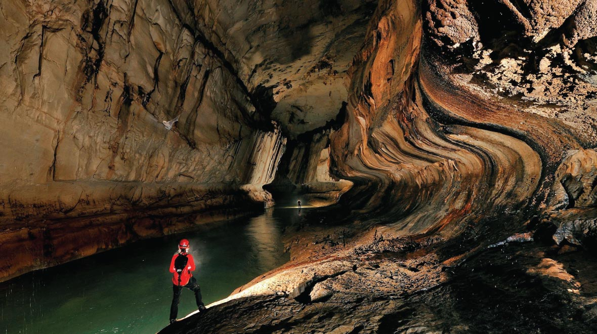 Mulu Lang Cave