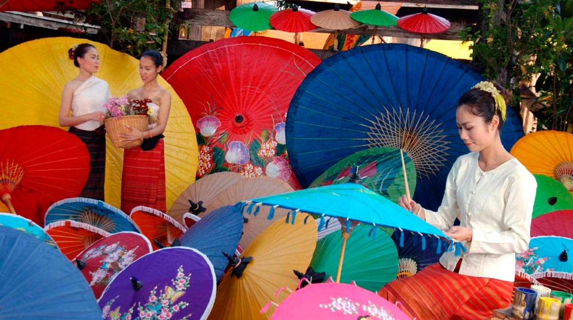 Thai Lanna Handicraft Center - Sankampaeng district