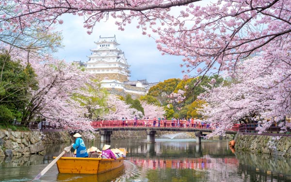 Osaka + Heritage Takayama & Shirakawa-go