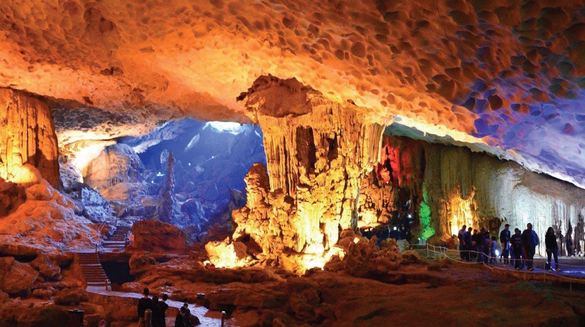 Sung Sot Cave (Surprise Cave)