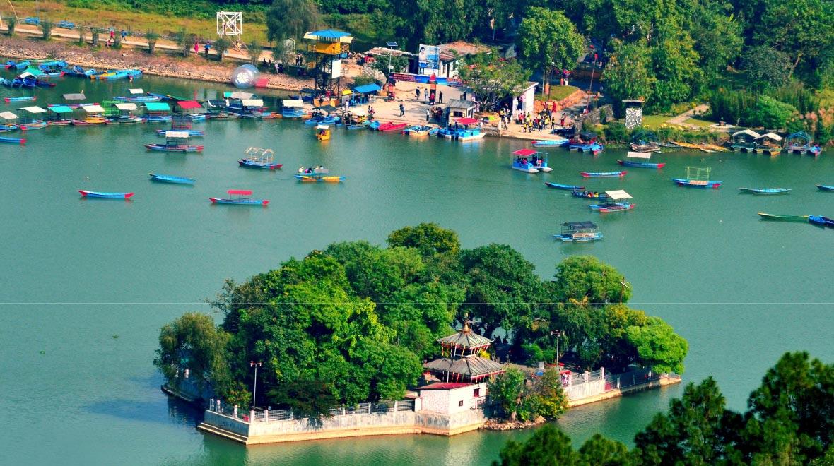 Boat ride on Fewa Lake, visit Taal Barahi temple