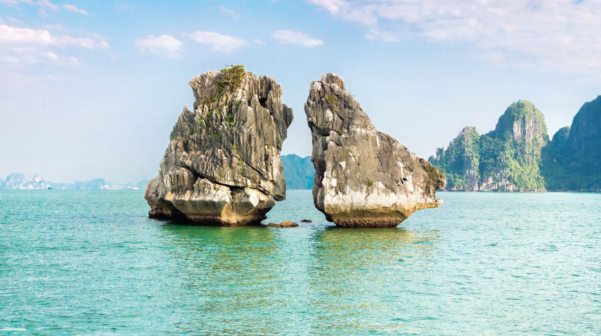 Halong Bay, Fighting Cock islet