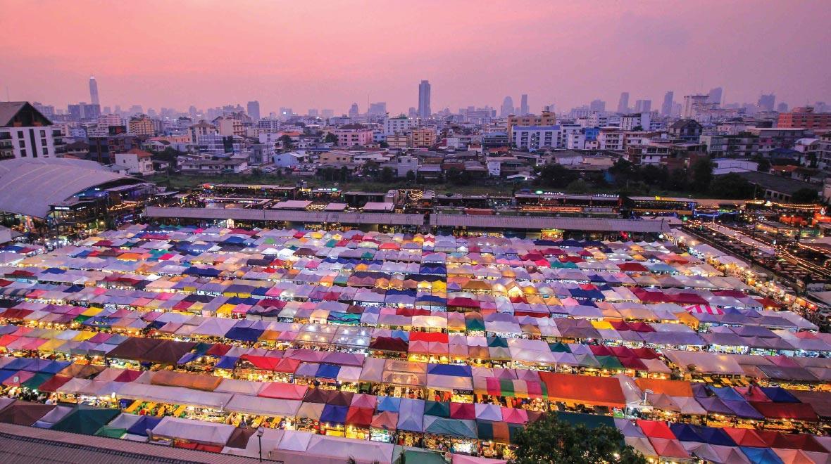 Rot Fai Night Market