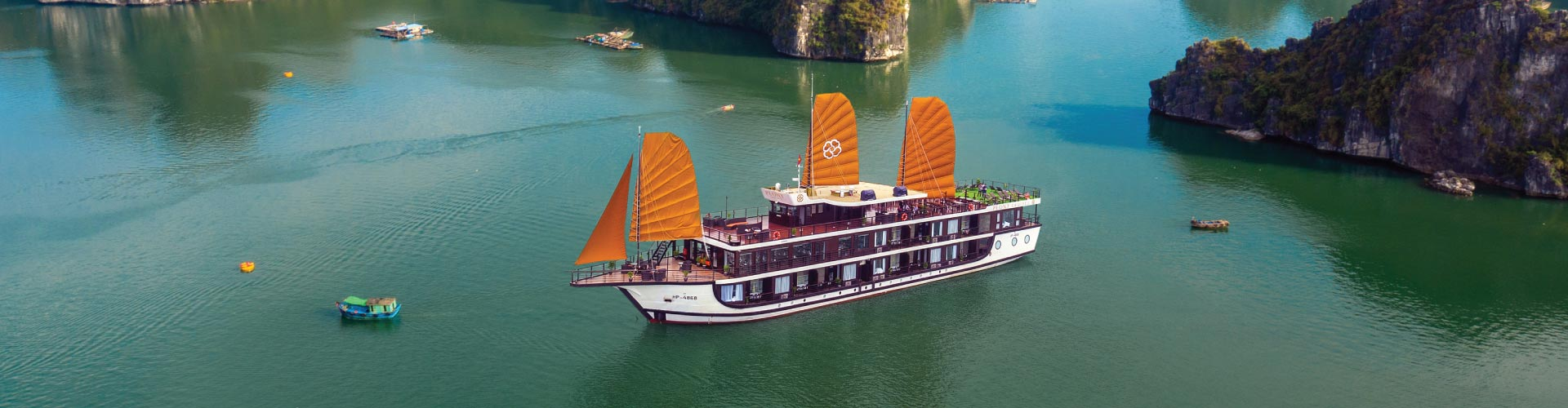 Hanoi & Ha Long Bay + Sa Pa Valley (Overnight Cruise)