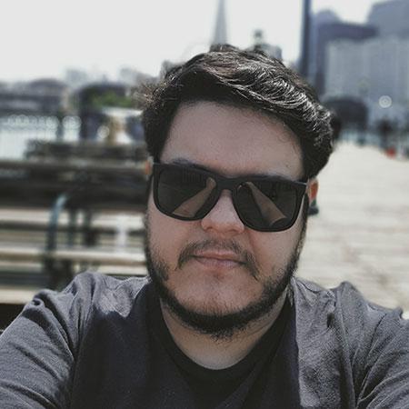 Headshot of Fernando Takai - senior engineer at Lawyaw