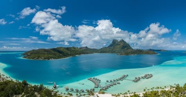 11 Night Tahiti & Tuamotu Islands