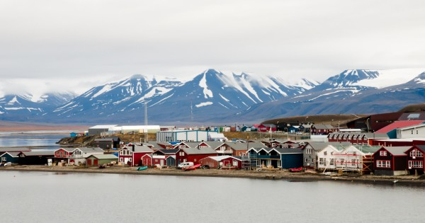 13 Night Longyearbyen to Edinburgh