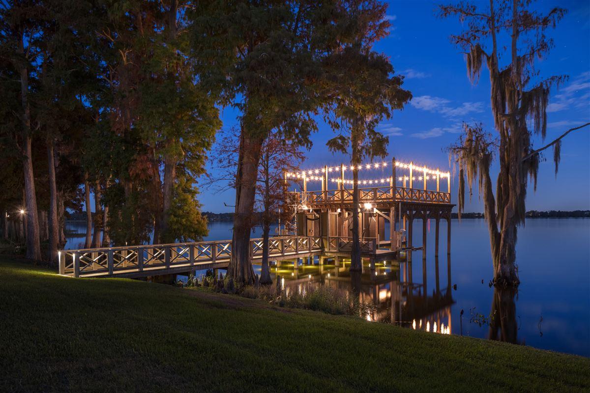 The Oaks in THONOTOSASSA Florida luxury properties