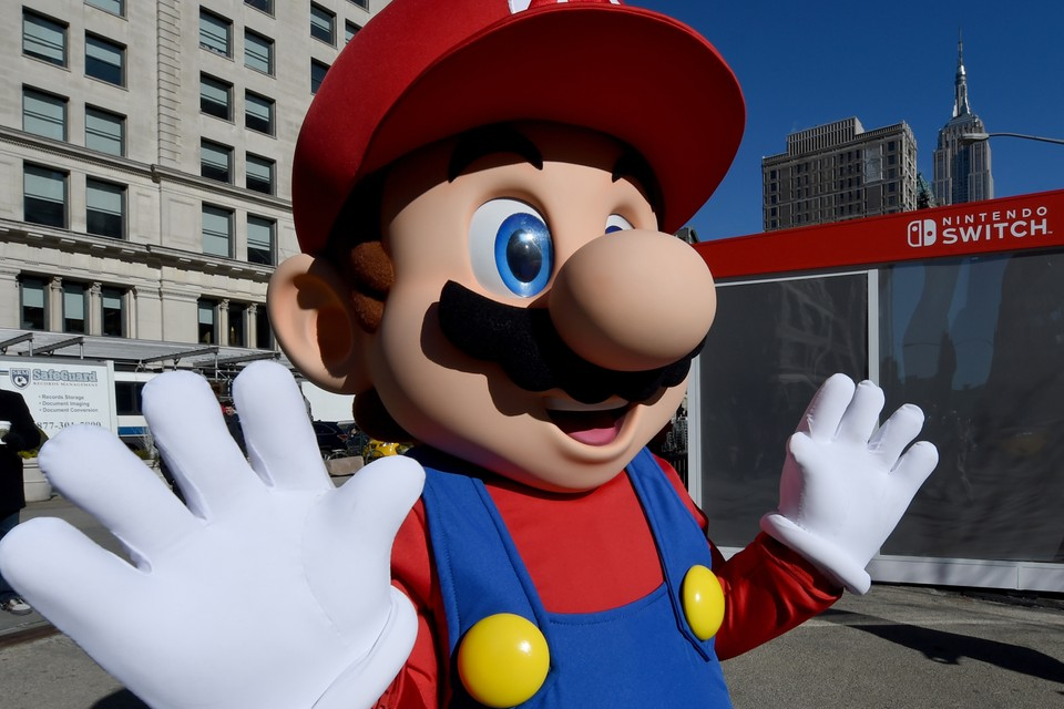 The Super 1-1 Challenge' 'Super Mario Bros.' First-Person Shooter ...