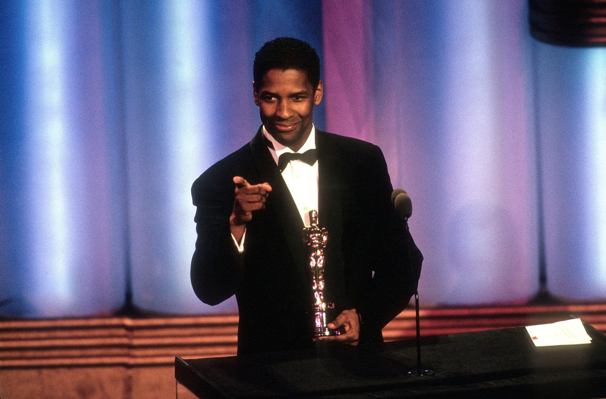 Denzel Washington accepting Golden Globe Award
