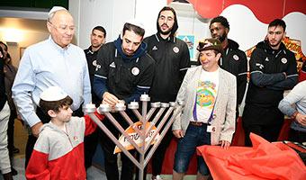 Basketball Stars Bring Cheer to Children Hospitalized at Hadassah