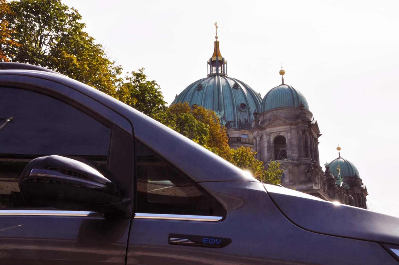 Mit dem Mercedes-Benz EQV auf der Langstrecke unterwegs