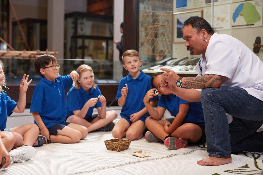 Children learning at Auckland museum