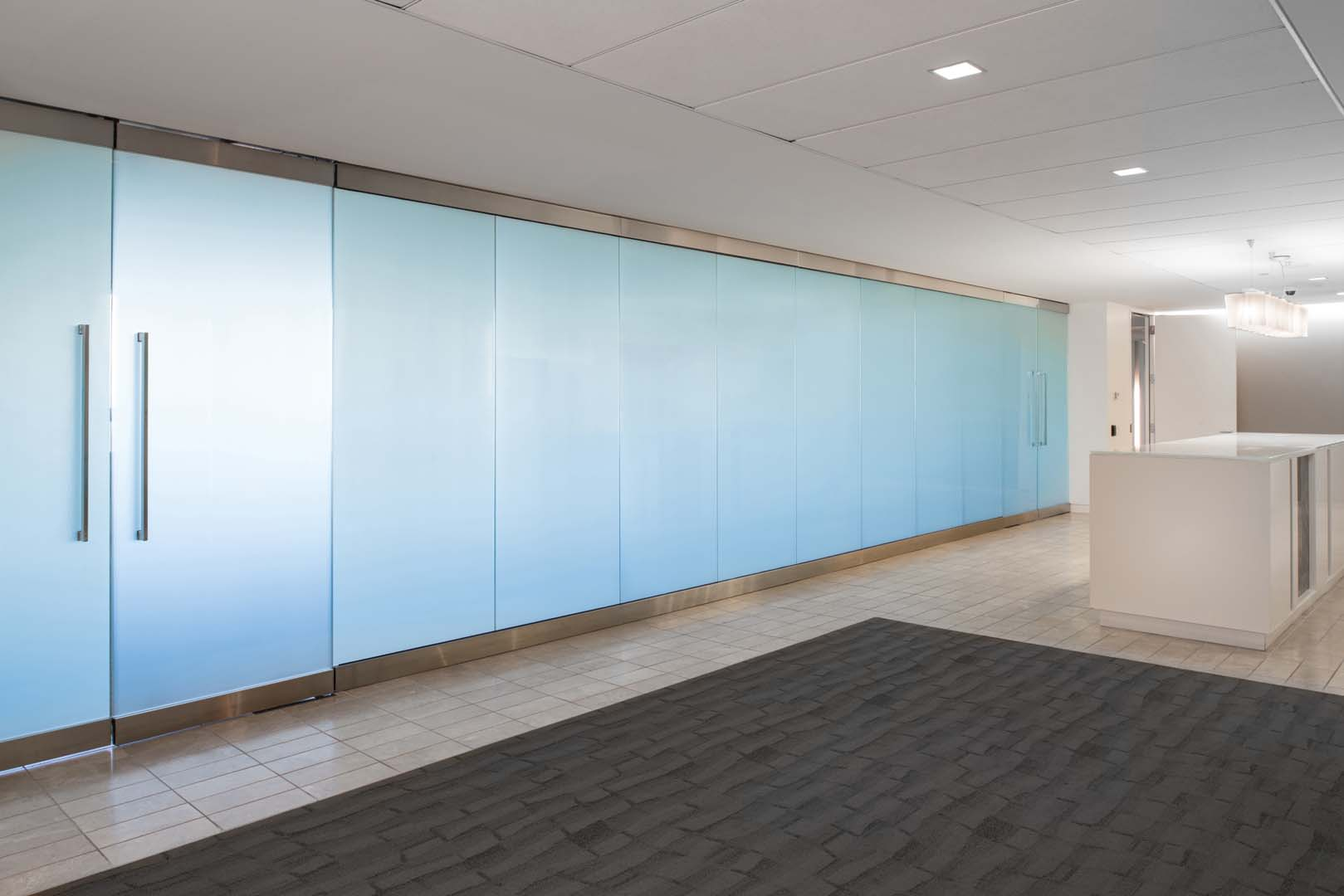 Conference Room w/ switch glass
