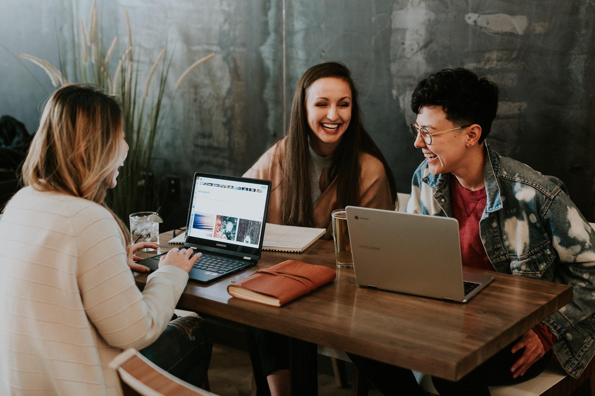 Rajoitukset päättyvät – mitä yritysten tulisi huomioida?