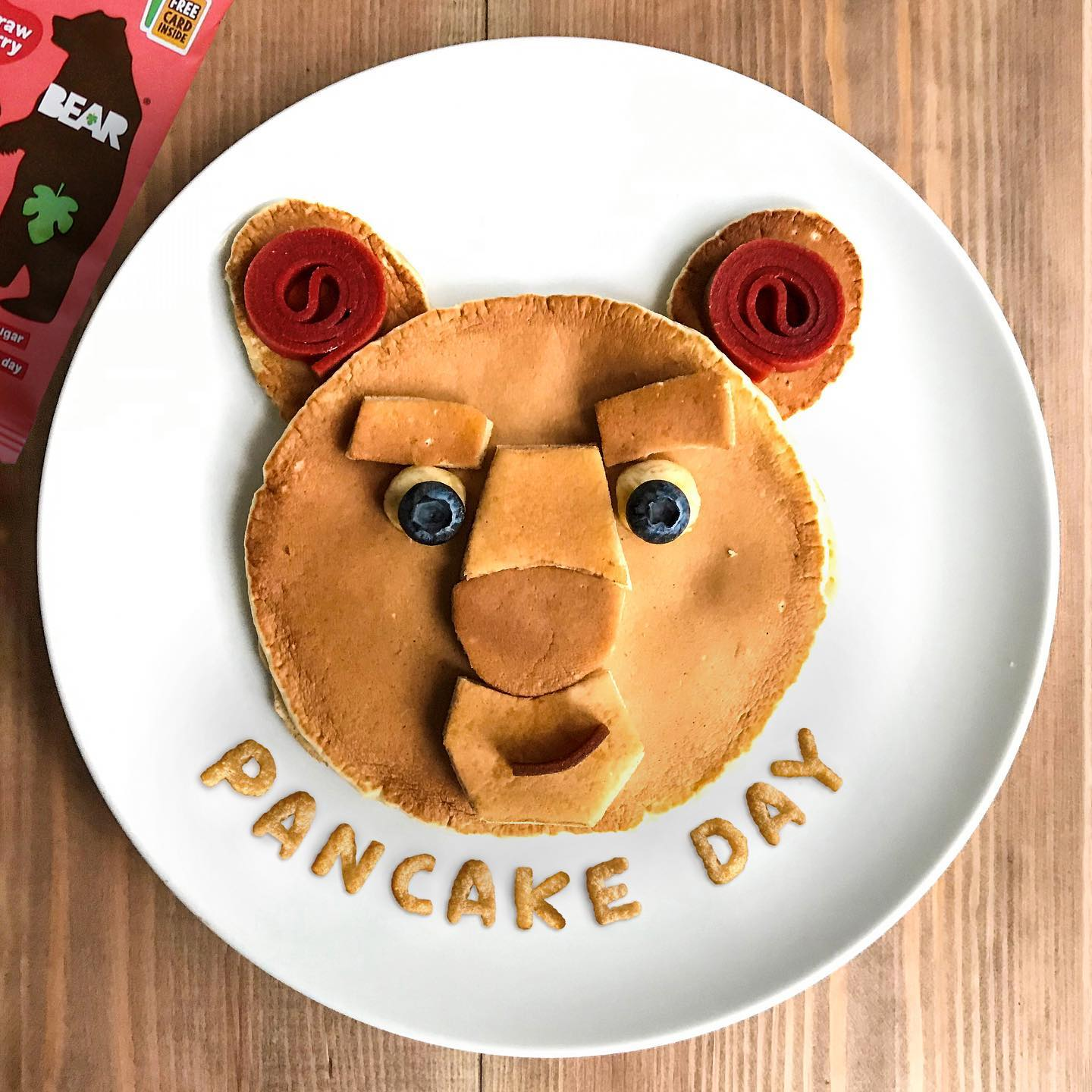 How do your cubs feel about pancakes for dinner tonight? Thrilled 😁 or confused? 😕⁣ ⁣ Have a BEARilliant Pancake Day everyone! 🐻🥞 ⁣ ⁣ #BEARsnacks #BEARyoyos #BEARpancakes #PancakeDay