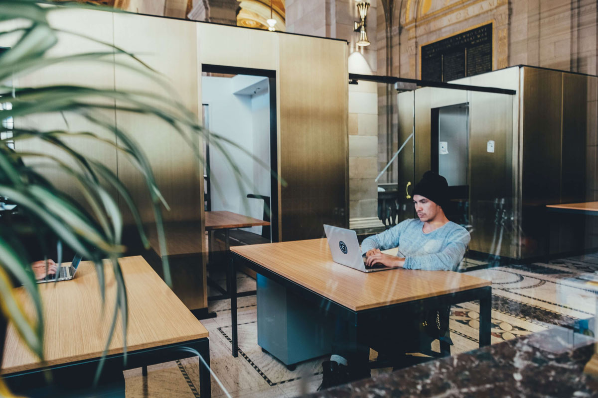 Hot desking safety in the post-pandemic workplace