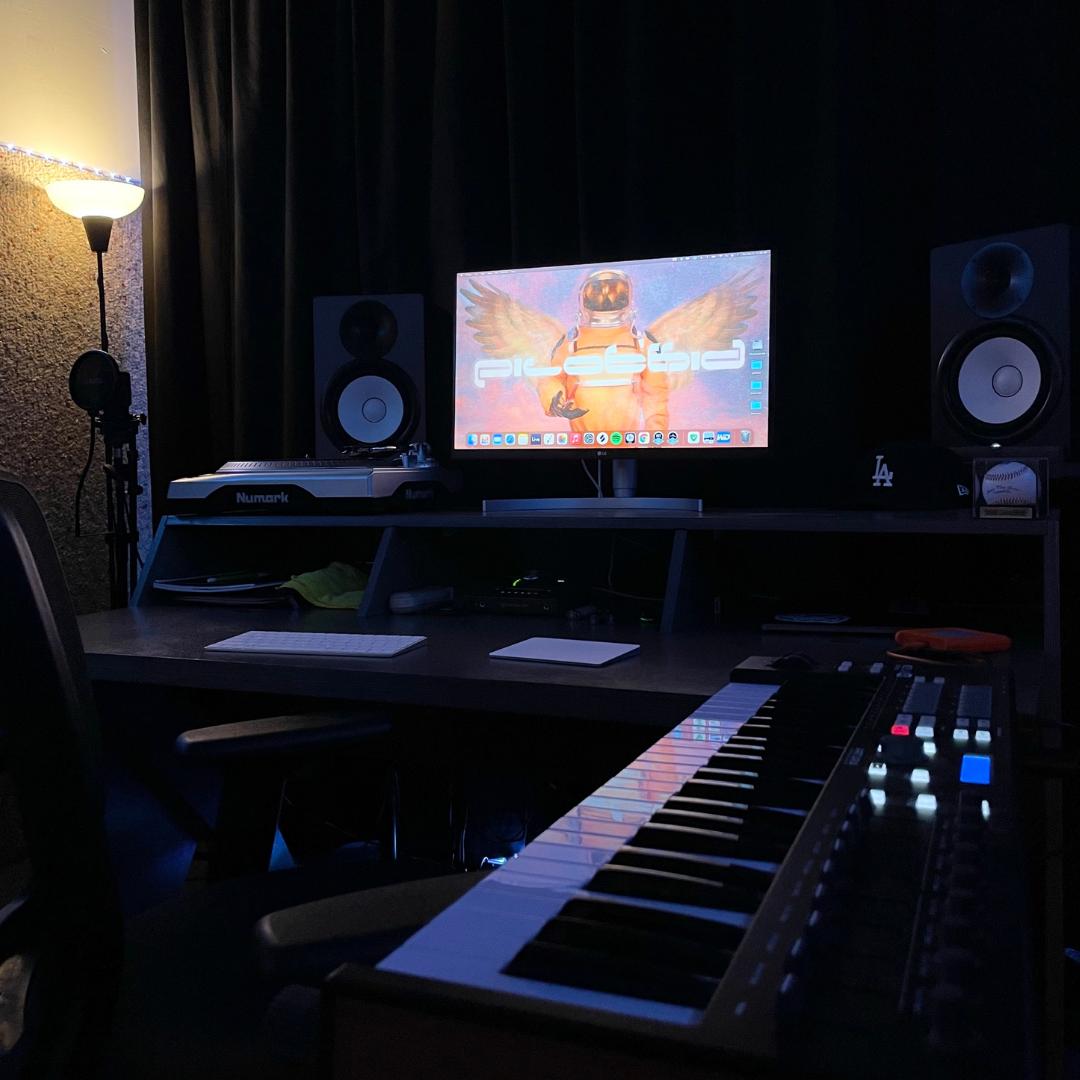 Pilotkid's Studio Setup