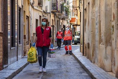 Cruz Roja sigue atendiendo a miles de familias afectadas por la crisis del COVID-19