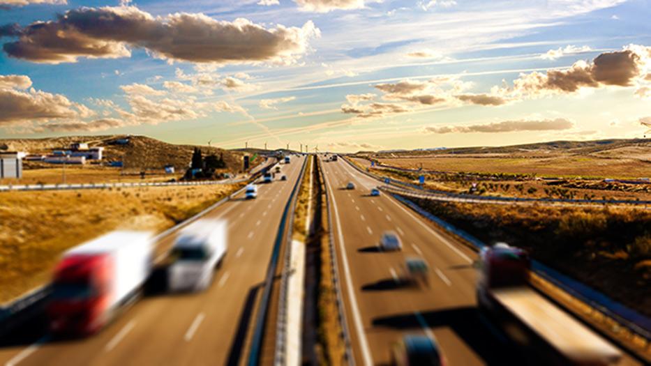 ¿Qué transporte público es más barato? AVE, avión o bus