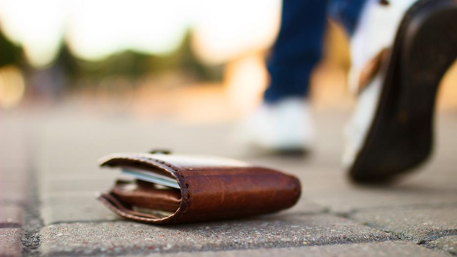 Robar la cartera: Pasos a seguir si sufres un robo | Vivus.es