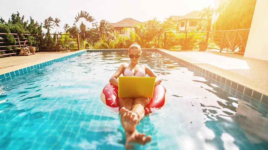 Ventajas de trabajar en agosto... ¡No desesperes! | Vivus.es