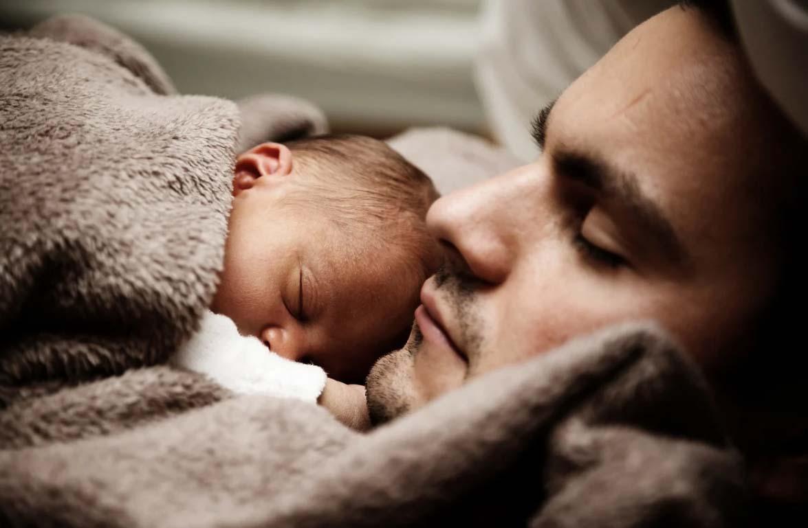 Permiso de paternidad: ¿cómo ha evolucionado y cómo será en 2021?