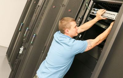 colocation remote hands