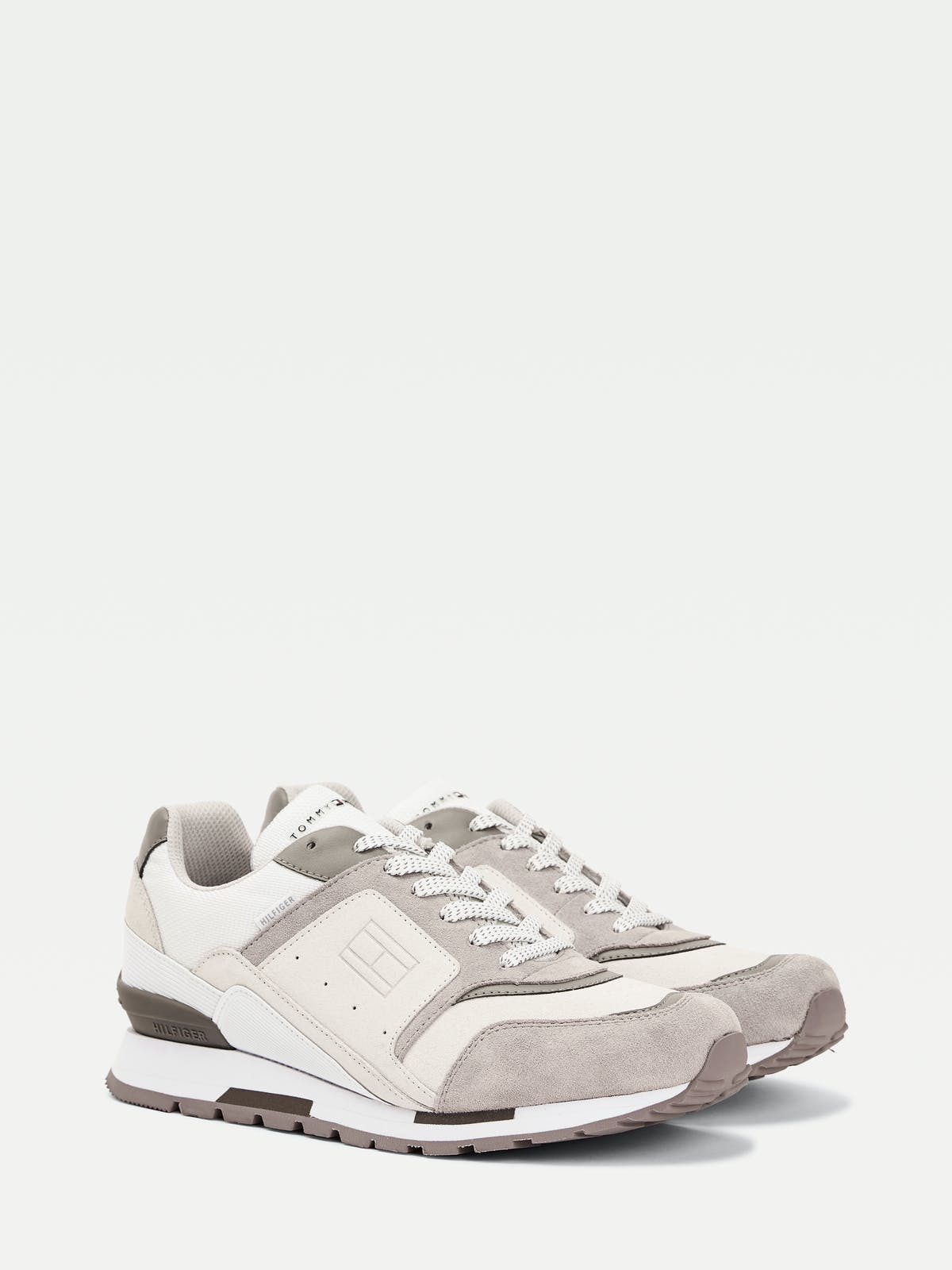Contrast Panel Flag Trainers