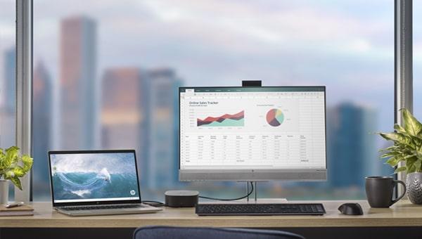 laptop displaying cloud service chart