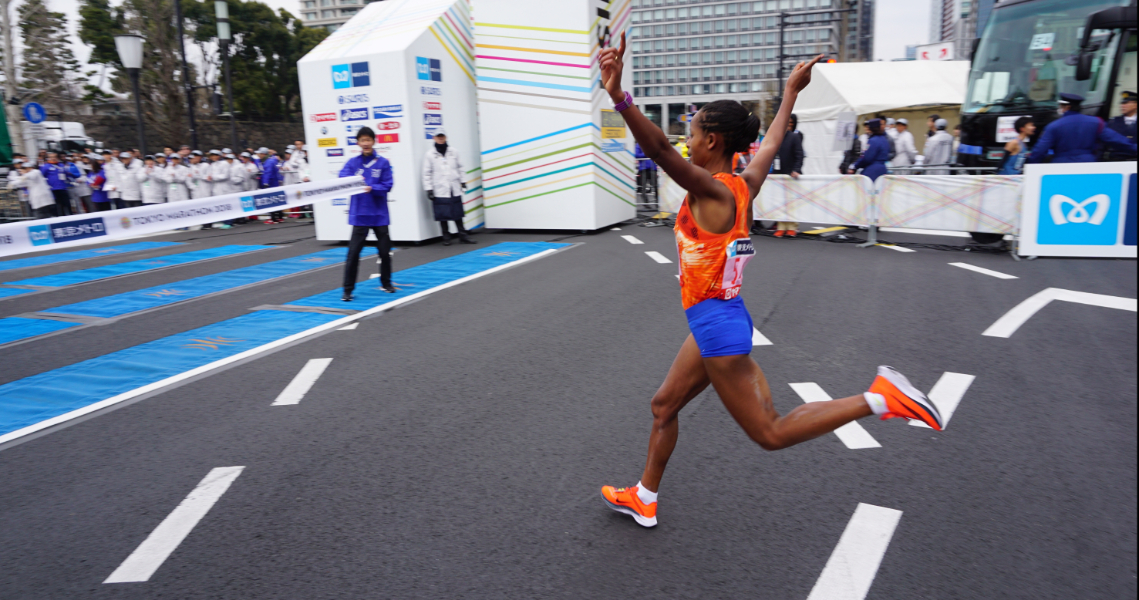 Chumba and Dibaba take second Tokyo crowns