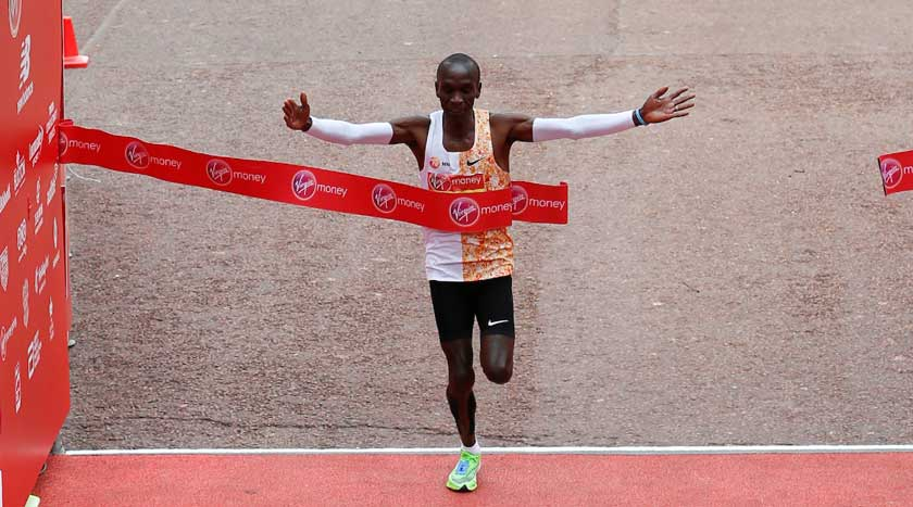 Kipchoge keeps his crown in record-breaking style