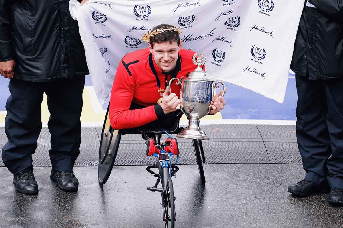 Daniel Romanchuk hold winning torphy