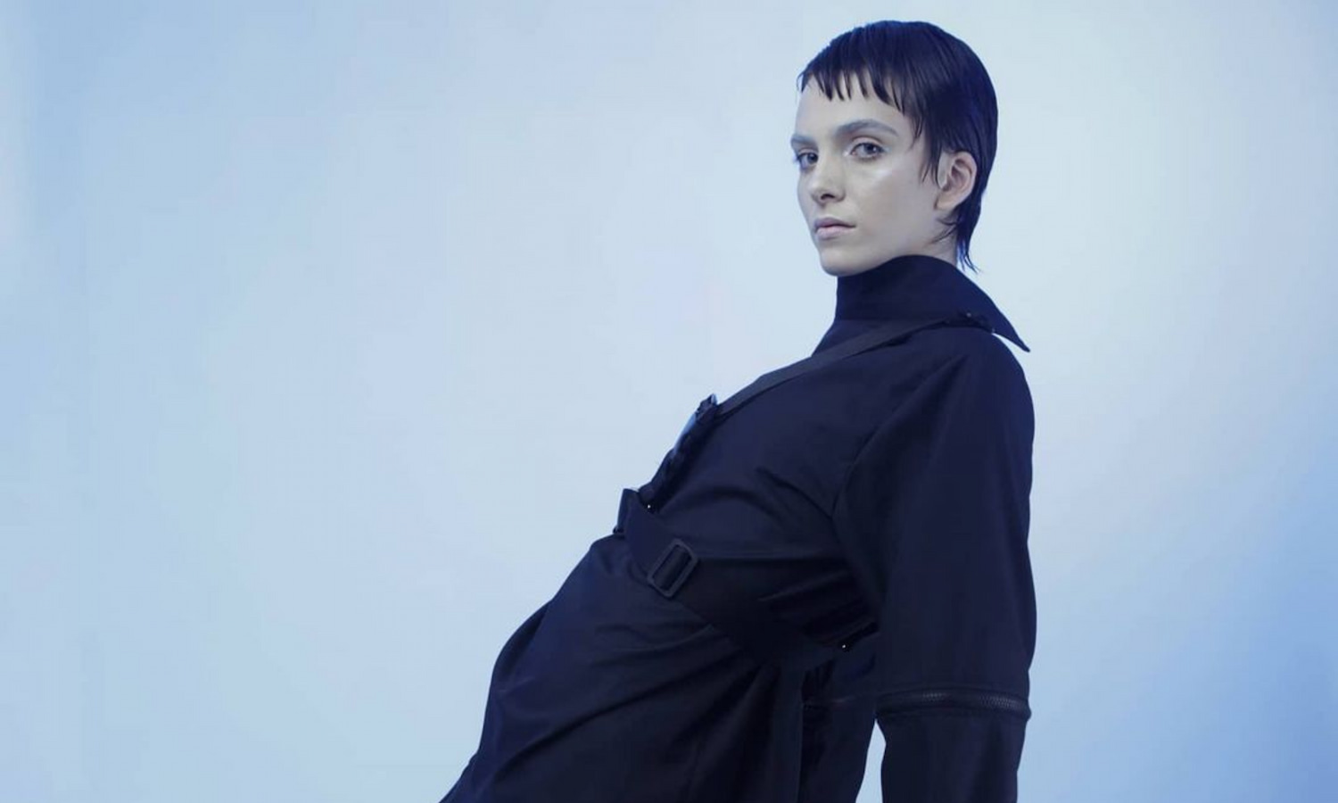 A Minimalist genderless clothing for urban nomads