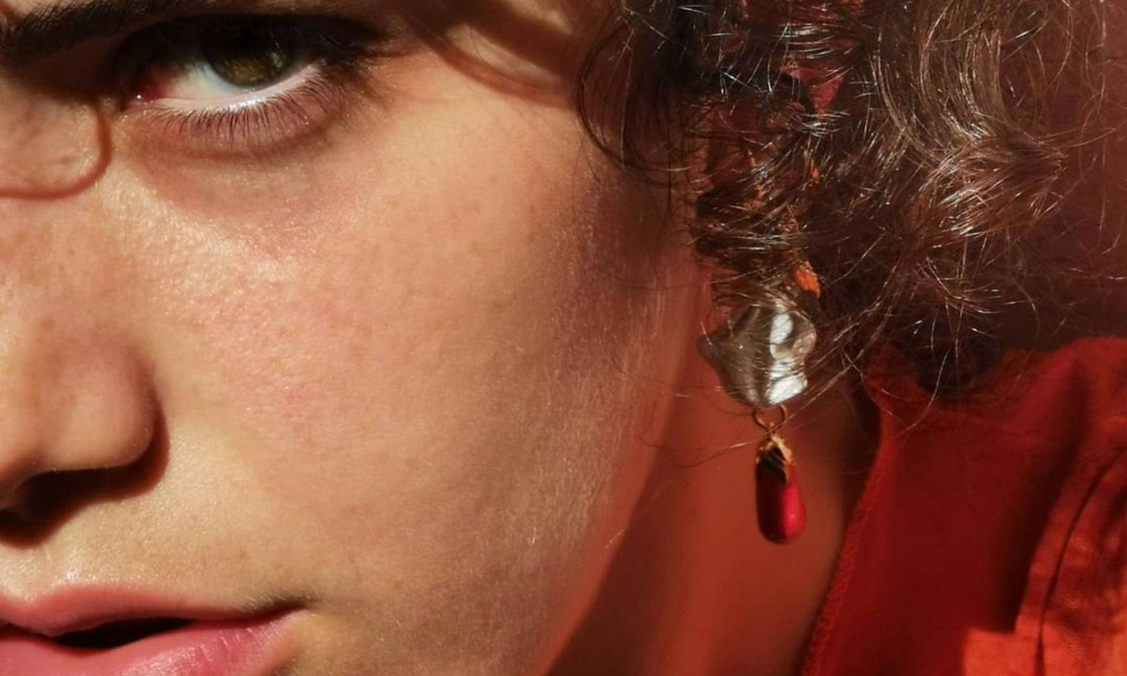 volunto woman-ownned jewelry feminism vulvas menstruation female friendship sevilla spain