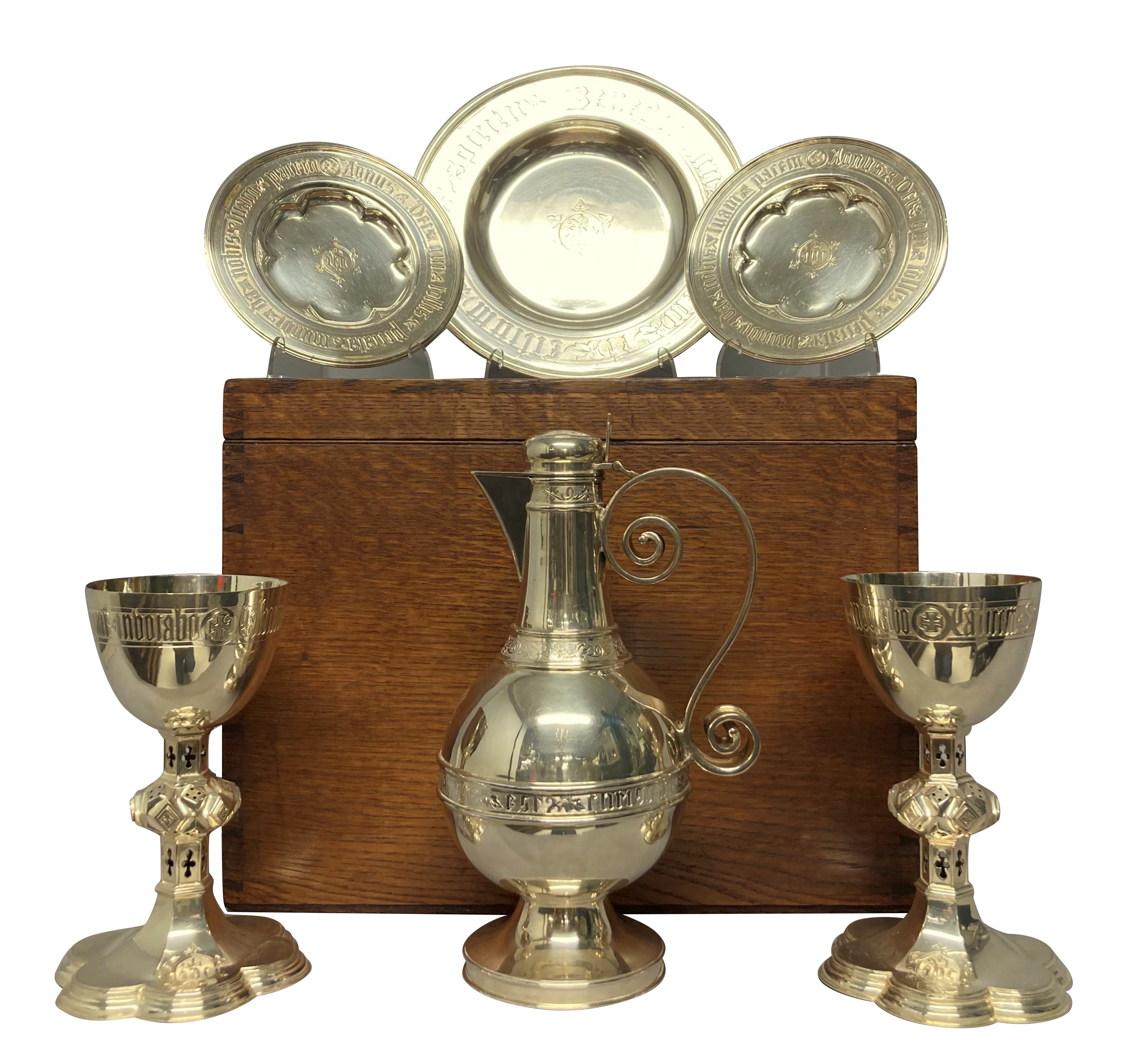 A SILVER COMMUNION SET WITH ORIGINAL BOX BY HENRY WILKINSON & SONS