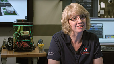 Instructor provides video testimonial of why they use TestOut courseware