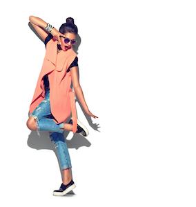 La preferencia por las compras online frente a las físicas es cada vez más elevada. Por eso, el número de tiendas de moda con paga más tarde tampoco deja de incrementarse. Con SeQura, además de poder realizar tus compras con comodidad, ahora puedes obtener múltiples ventajas en los pagos. ¡Descubre las tus tiendas de ropa con métodos de pago SeQura y compra sin preocupaciones!